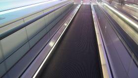 Moving walkway