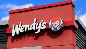 WendyÕs hamburger business logo
