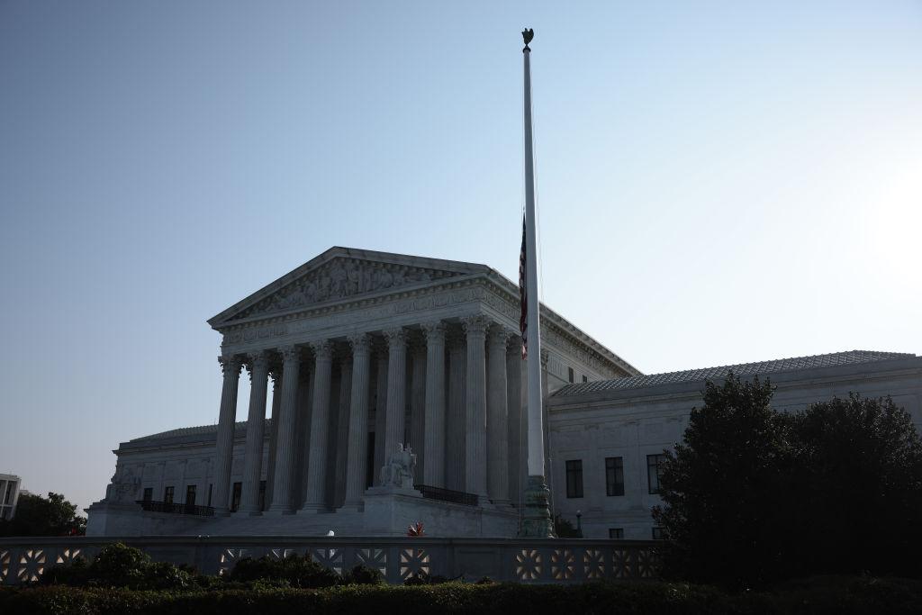 Supreme Court Blocks Biden Administration's Eviction Moratorium