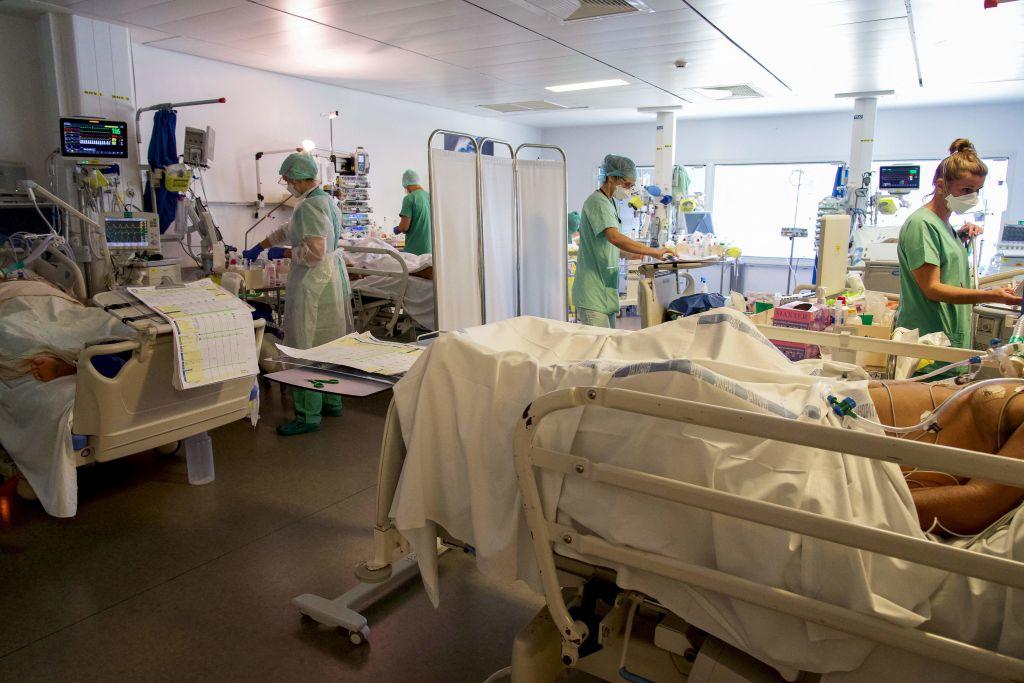 TOPSHOT-FRANCE-OVERSEAS-POLYNESIA-HEALTH-VIRUS-HOSPITAL